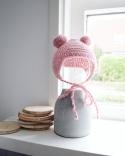 Mima Babymutsje met flapjes en bolletjes, roze