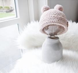 Mima Babymutsje met bolletjes, zacht roze